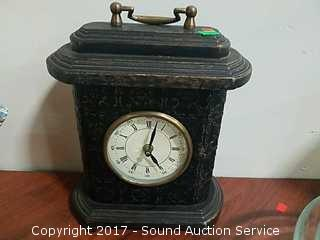 Battery Operated Mantel Clock