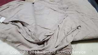 Large Lot of Various Sheets & Pillow Cases