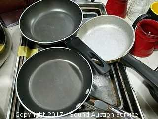 Baking Pans, Knife Block, & Frying Pans