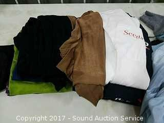 Large Lot of Ladies Clothes