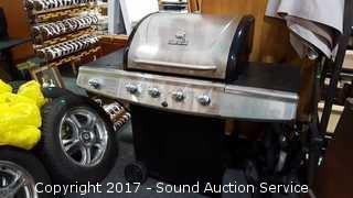 Nice Char-Broil Propane Grill w/Side Burner